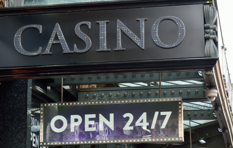 9026450-casino-sign-open-24-7 (1)